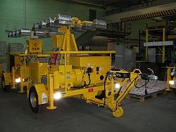Flutlichtaggregate als Anhänger oder Selbstfahrer Wir liefern Flutlichtaggregate mit hydraulisch, me...