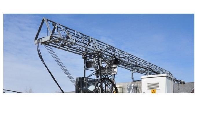 Carl C. A/S producerer teleskopmaster, der både kan fungere som stationære master og som mobile mast...