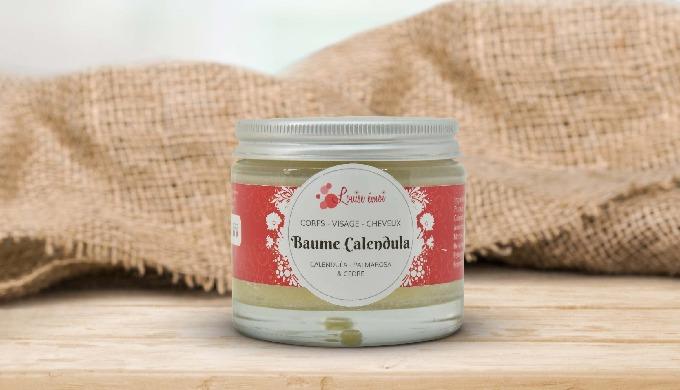 PEAU FRAGILE À SÈCHE La combinaison du beurre de karité pour l'hydratation, du Calendula dans l'huil...