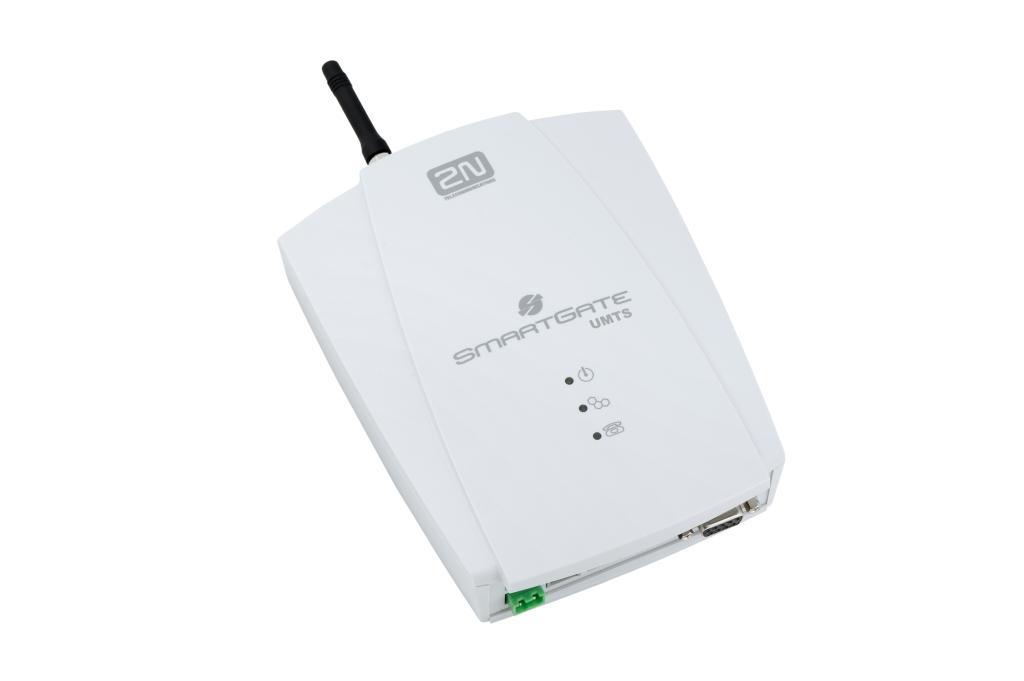 Volejte a surfujte i bez pevné linky2N® EasyGate UMTS USB je analogová UMTS/GSM brána pro přenos vys...