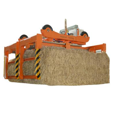 Hydraulické kleště, navržené pro transport balíků slámy. Kleště jsou schopny transportovat dva balík...