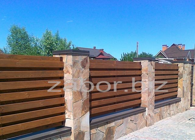 Заборы деревянные для дач и коттеджей