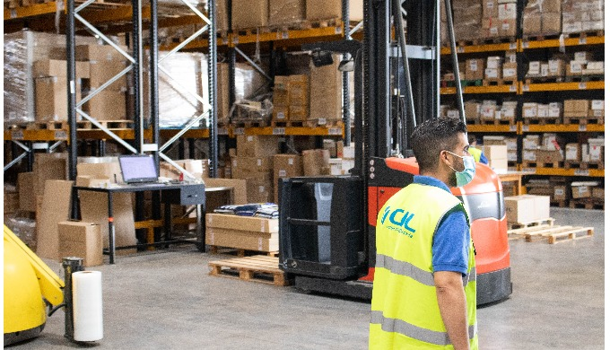 In our outsourcing service we manage movements, loads and unloading, distribution, treatment and man...