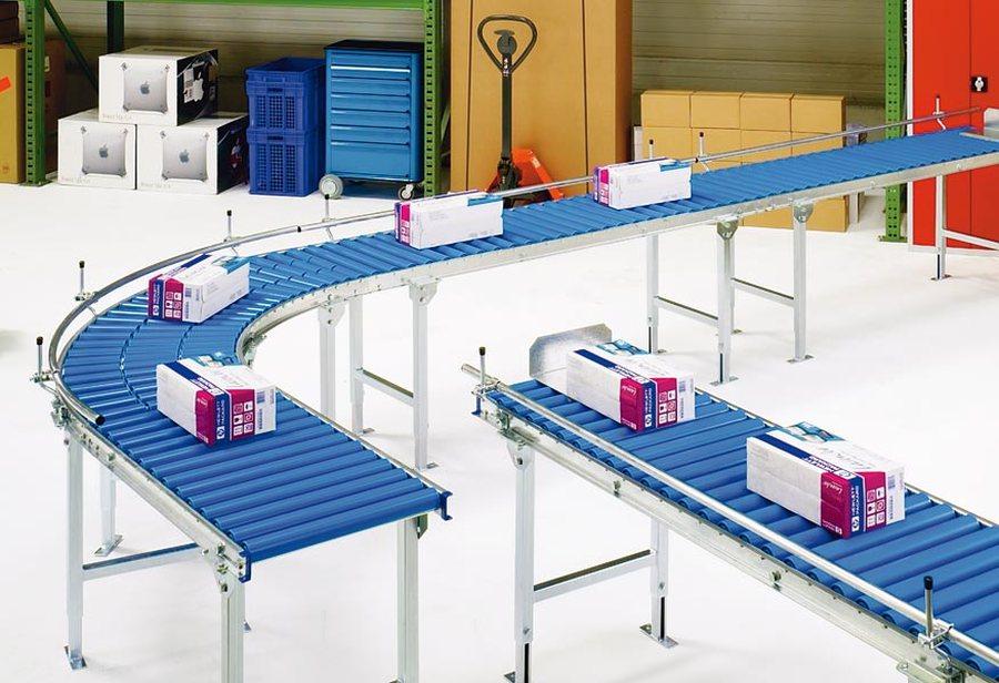 Bahnbreite 600 mm, GeradeStabile Seitenprofile aus verzinktem Stahl, 20 x 60 x 20 mm. Kugelgelagerte...
