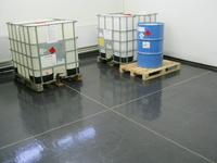 Chemicky a teplotně odolné průmyslové podlahy