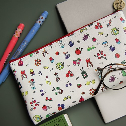 Odong et Valerie Pattern Pouch. 4 kinds. Size 20 x 10cm. The material is PU,Polyester.