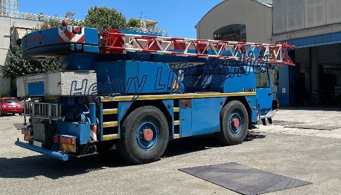 Costruttore | Brand Liebherr Modello | Model LTM 1030/2 Portata | Capacity Class 35 ton Anno | Year ...