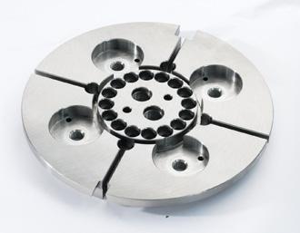 Přesné strojírenské součásti, obrábění