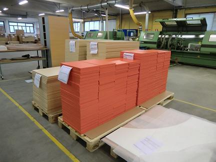 För dig som vill låta oss göra jobbet, erbjuder vi komponenter i olika bearbetningsstadier, från enk...