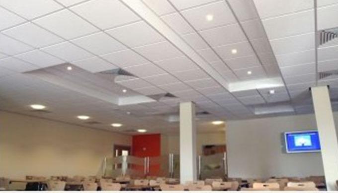 Nous vous proposons l'aménagement de vos espaces de travail : cloisons amovibles, faux plafonds , st...