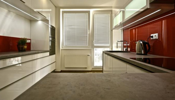 Lakování nábytkových dílců Nabízíme lakování nábytkových dílců a kuchyní a to jak z naší produkce, t...