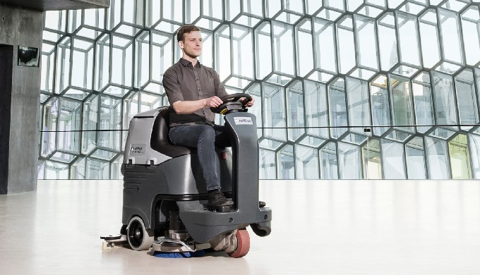 La gamme d'autolaveuses Nilfisk BR 652/752 est un grand pas en avant dans l'innovation de l'industri...