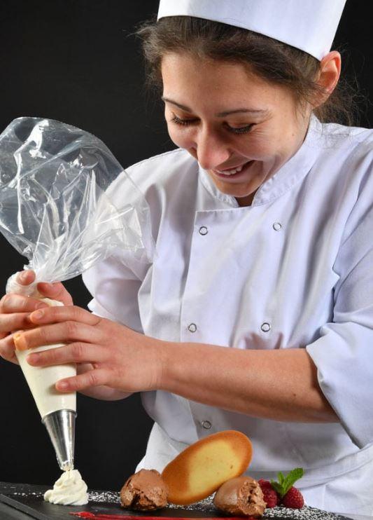 Voulez-vous avoir découvrir le monde professionnel cuisine et restauration ? Rejoignez-nous sans tar...
