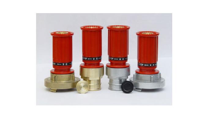 """Prądownice hydrantowe wodne produkcji """"SUPRON 3"""" typ PWh-25 i PWh-52 służą do otwierania, zamykania ..."""