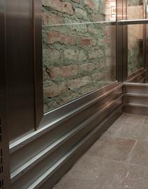 Det kostar så lite extra att få en snyggare hiss. Det behöver inte kosta mer att få en äkta Åhmans h...