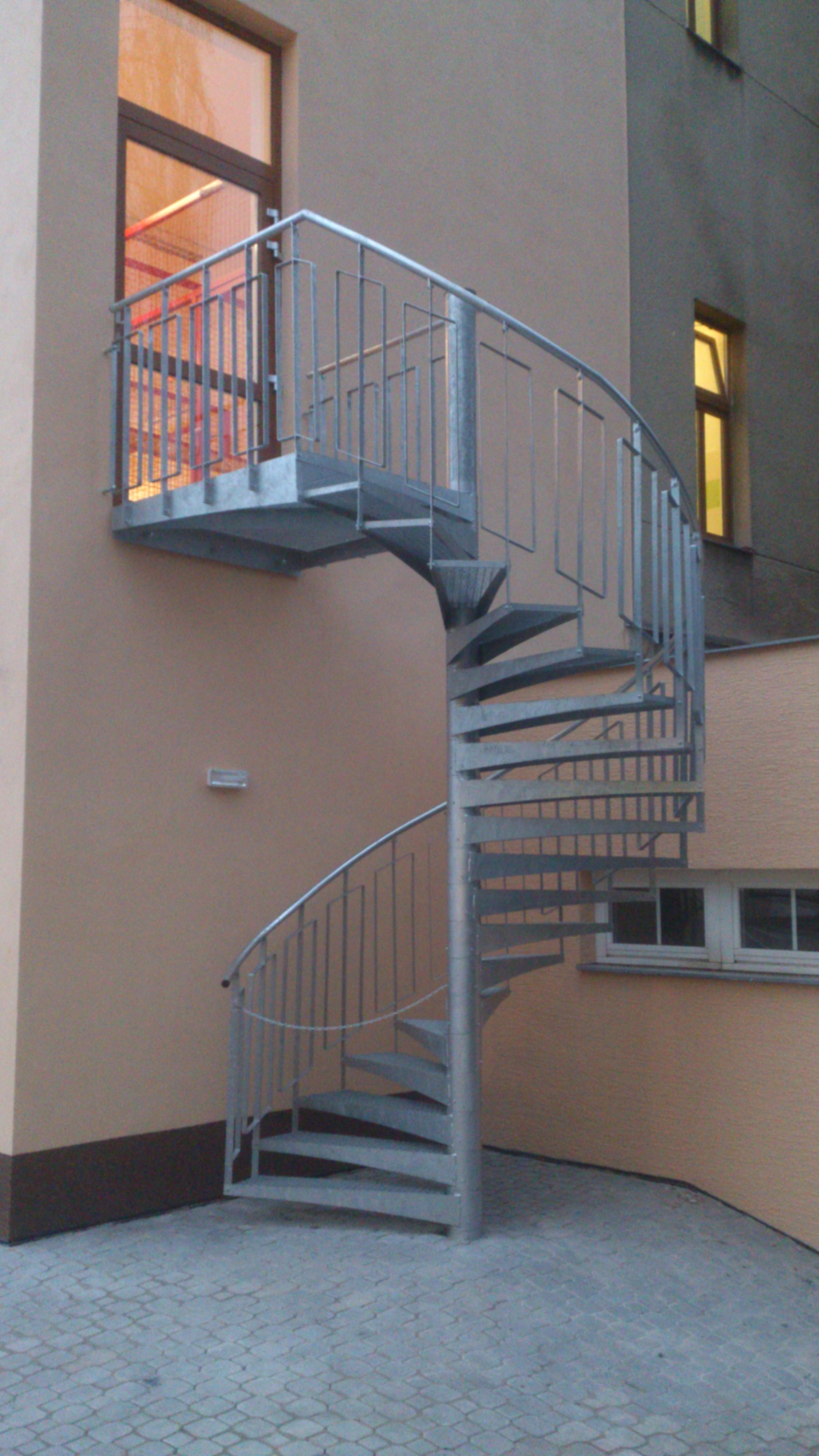 Výroba schodišť do exteriéru i interiéru