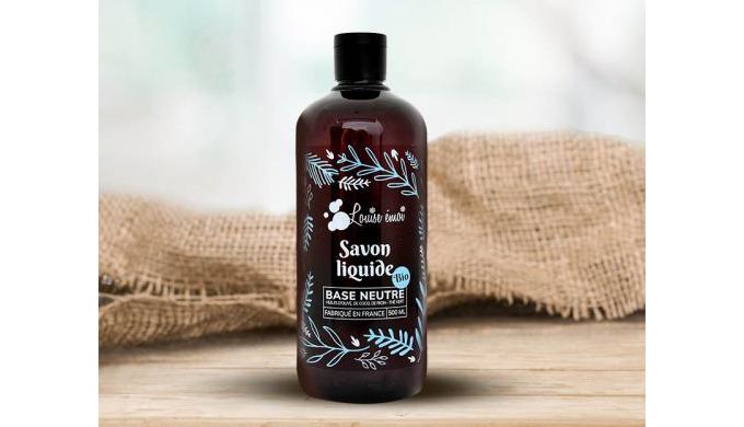 Le savon liquide concentré « Base neutre » nettoie, purifie et hydrate* tous les types de peaux, mêm...