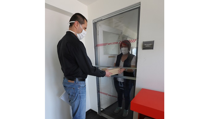 ET Flexi protective screen is a simple and effective way of optical and hygienic division of space t...