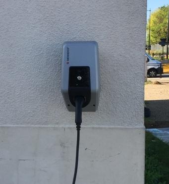 Nous installons des bornes de recharge automobile pour les entreprise ste les particuliers quelque s...