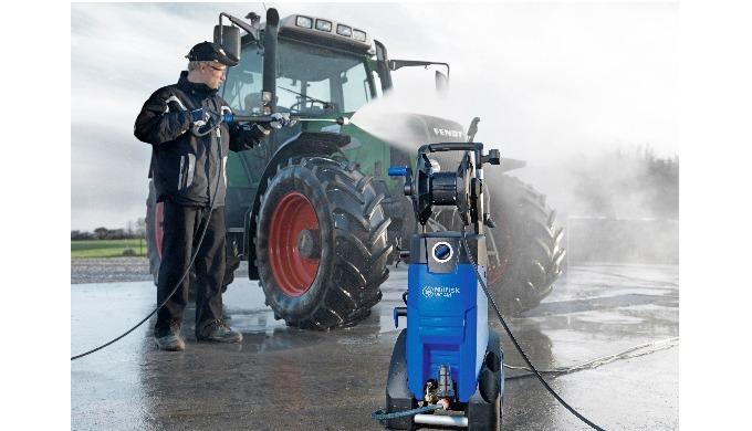 Le nettoyeur haute pression Nilfisk MC 4M est conçu pour un nettoyage léger et général et est le cho...