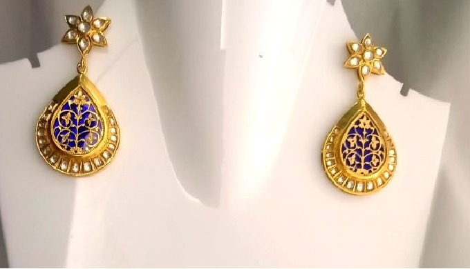 1. Thewa Jewellery Is Hand Made Jewellery ,carved On 23 K Gold Foil. 2. It Is Made By Fusing 23k Gol...