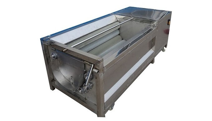 The cleaning and peeling machine cleans the round products such as steamed bread, potatoes, sweet po...