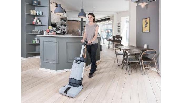 Le SC100 est une autolaveuse compacte pour le nettoyage des espaces exigus. Par rapport au nettoyage...