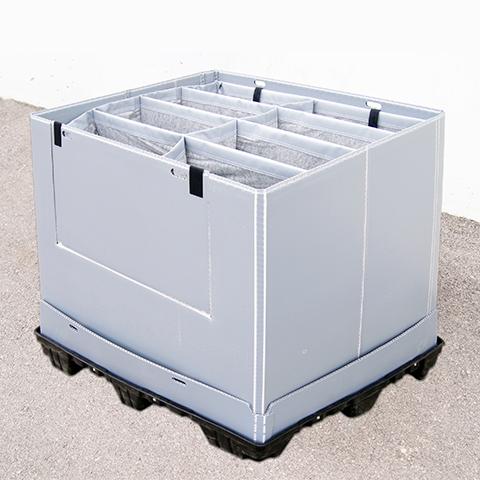 Grandes contenedores retornables, que incorporan acondicionamiento interior a medida y multimaterial...