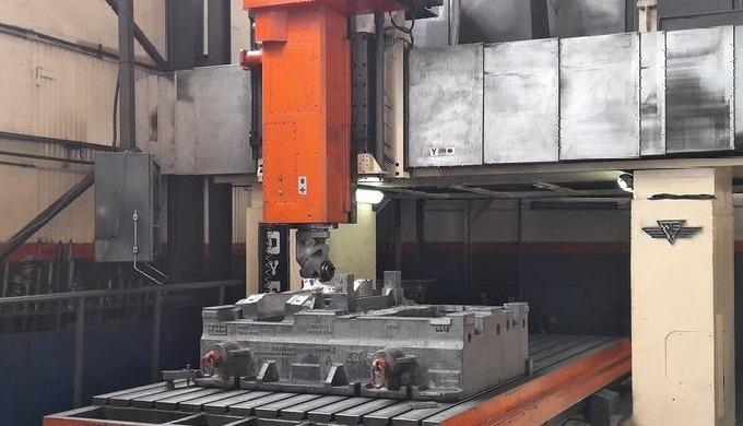 DYE mod. FPF-2 C-NC, Nº 1483 Gantry type Milling machine