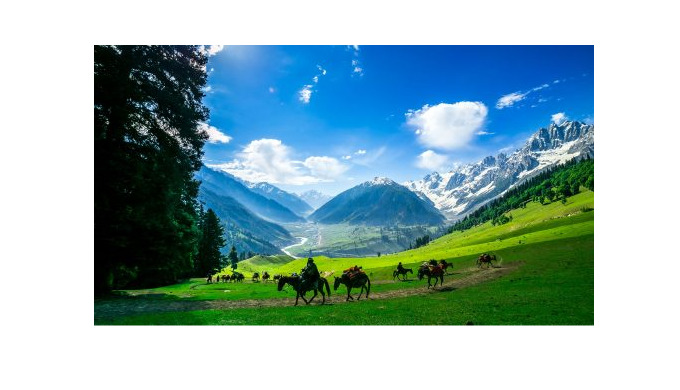 Holidays Hunt Travel offers different type of Kashmir Tour packages Kashmir Tour with Mata Vaishno D...