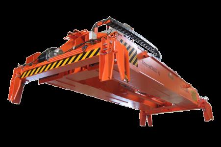 Manipulátor je určen pro přepravu a manipulaci ISO-kontejnerů délek 20'' (6m) a 40'' (12m). Přepravu...