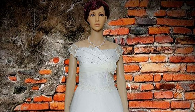 Visit our boutique to check these new wedding collection or get delivered on the next day. Simpal Bo...