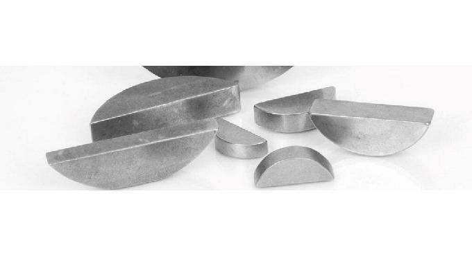 Skivefedre DIN 6888 – lagerføres i kilestål fra 2 x 2,6 x 7 til 12 x 24 x 80 mm, men fremstilles ger...