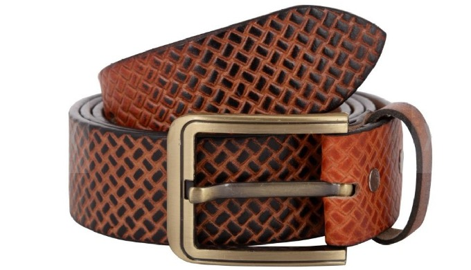 By keeping track with the market developments, we are engaged in offering Mens Leather Belt. The off...
