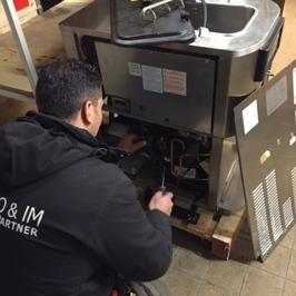 Vi utför service på marknadens alla märken inom kyla, värme, ventilation och storkök. Med välutbilda...