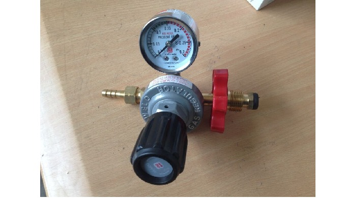 Propane Regulator for Export 1.Product Description 1) The regulator is applicable to industrial manu...