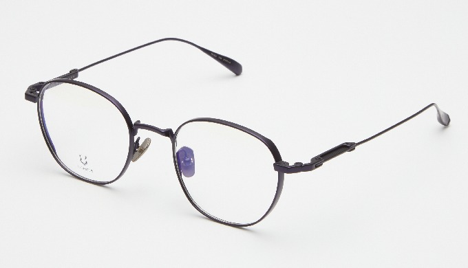 KNOUUN is crafted in Korea with light weight using high quality Titanium imported from Japan. You ca...