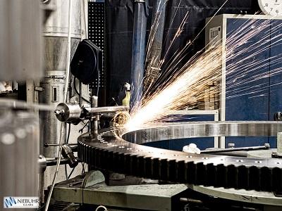 Som navnet antyder er vores Heavy Duty-produkter de helt store tandhjul til de krævende kunder. Vi d...