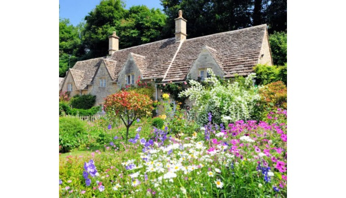 Planning on getting away for a few days? At Weekend Cottages, we've got an incredible selection of h...