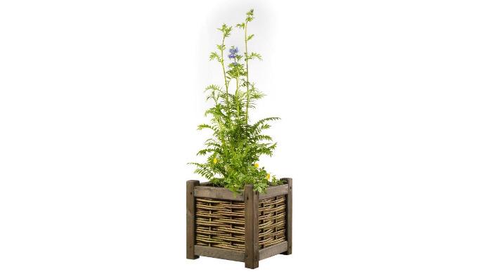 Produkt wykonany z wikliny przeznaczony do ogrodów, na kwiaty