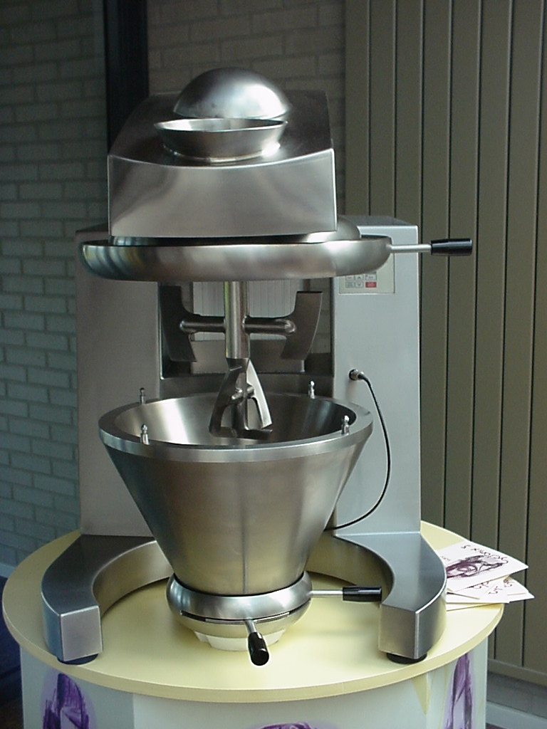 The Vrieco Nauta Cyclomix® is a revolutionary high-speed, intensive paddle mixer and agglomerator th...