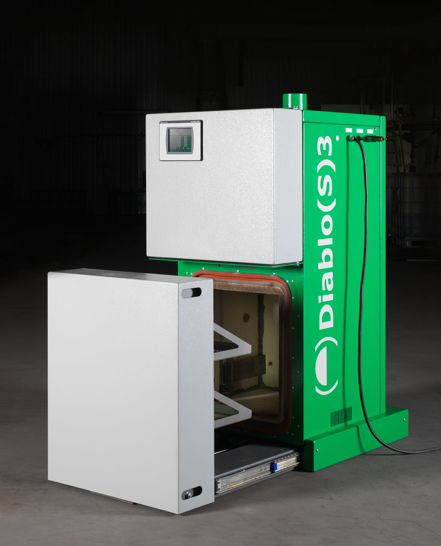 De DIABLO is een zeer compacte pyrolyse oven voor het industrieel reinigen van metalen tools, zonder...