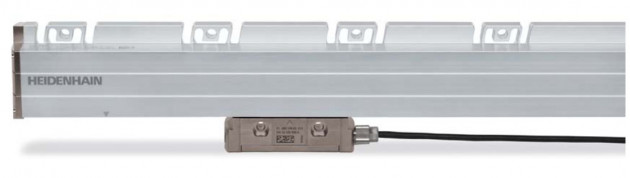 Die HEIDENHAIN-Längenmessgeräte für gesteuerte Werkzeugmaschinen sind universell einsetzbar. Sie eig...