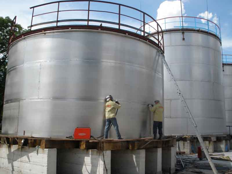 Резервуары из нержавеющей пищевой стали