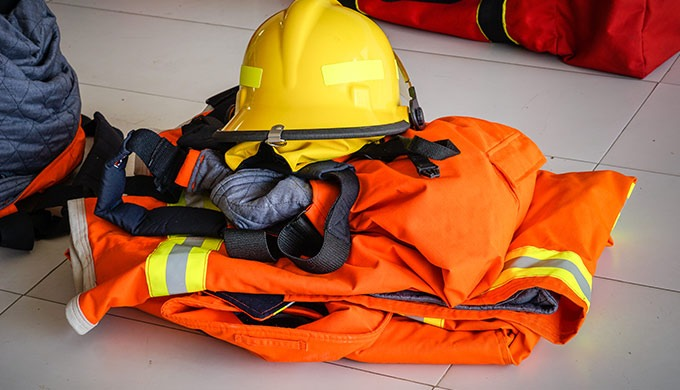 TOTAL PROTECTION propose tout une gamme de vêtement et matériel de protection : Lunette en polycarbo...