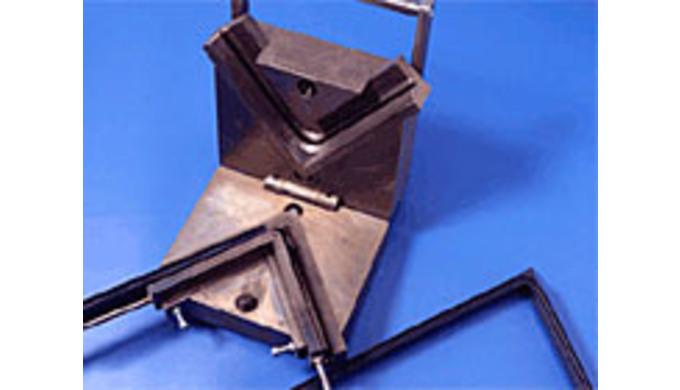Konstruktion und Herstellung von Werkzeugen für die Produktion von elastischen Profilen und deren We...