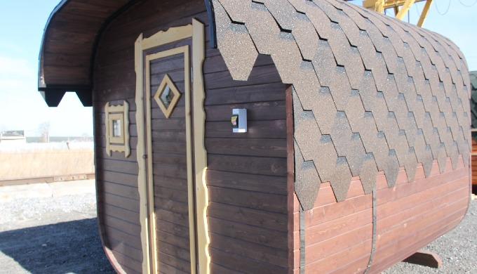 Menší kvádrová sauna se saunovacím prostorem 1,8 m a odpočívárnou s prostorem 0,86 m Obsah dodávky:r...