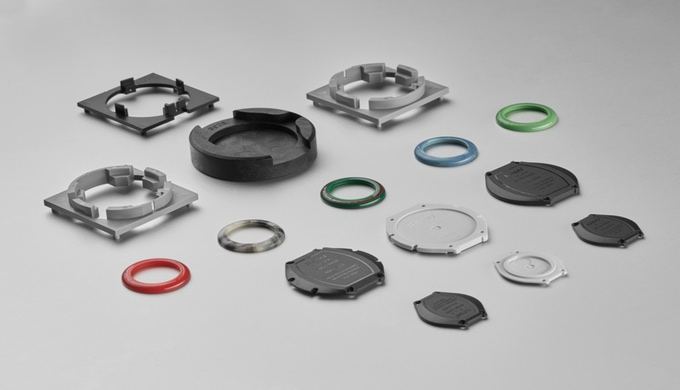 Fabrication d'anneaux de bijouterie et d'ornement, ouvre-boîtiers, pièces auxiliaires pour le montag...