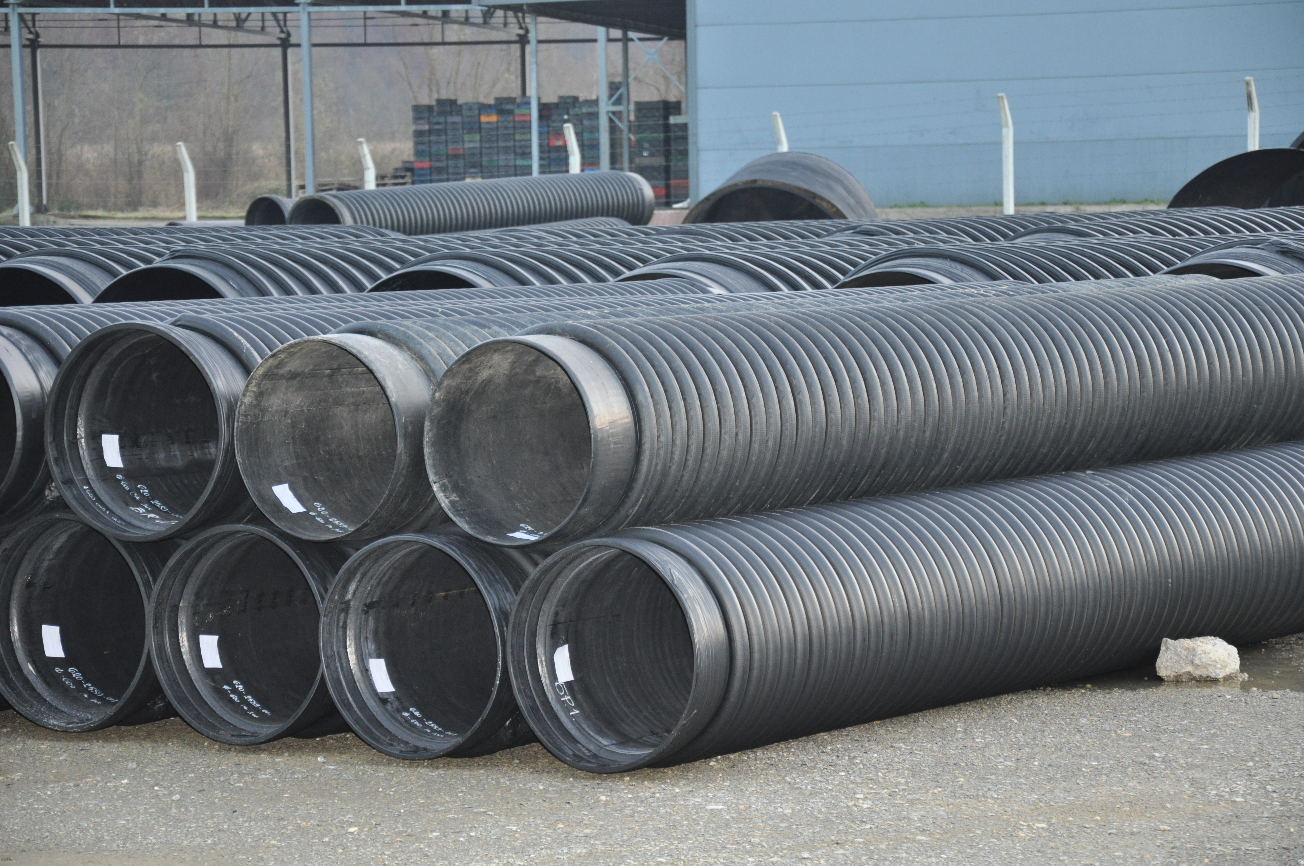 Plastic pipes have, according to their mechanical characteristics and extreme resistance to agressiv...