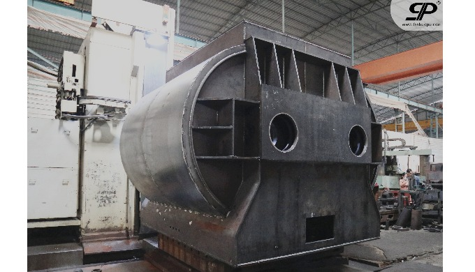 Heavy duty mixing chamber for construction machinery